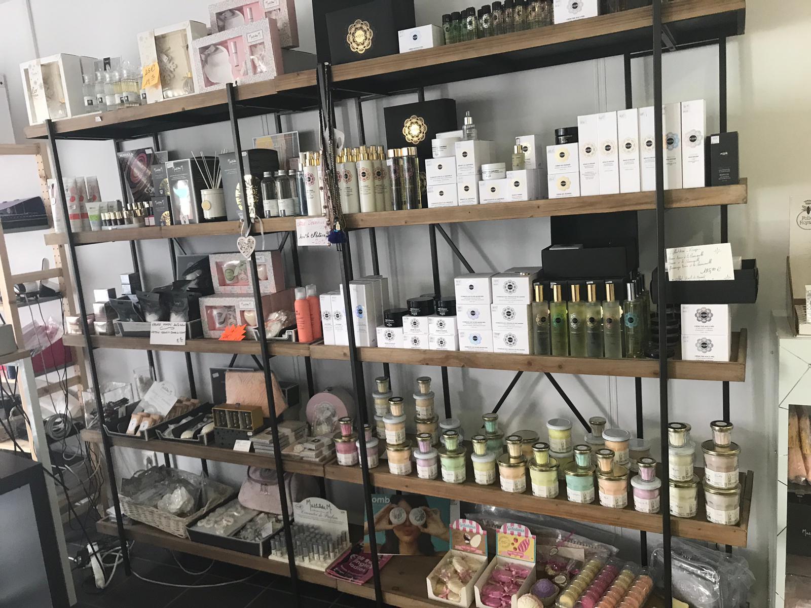 Galerie d'image - Parfumerie Institut Concept store BETTINA